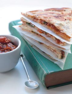 Tomato-chilli relish and mozzarella tortillas Tortillas, Quesadilla, Marrow Recipe, Vegetable Chart, Pancakes Easy, Fruit In Season, Eat Smarter, Tray Bakes, Mozzarella