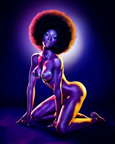 Lets have a sharing,bonding moment……Spit out that PC rape whistle and indulge in an homage to the great poster art of the Sexy Black Art, Black Women Art, Black Is Beautiful, Black Ish, Hello Beautiful, Beautiful Women, Caricatures, Natural Hair Art, Portraits