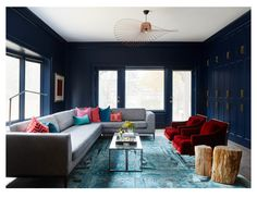 How to Style Antique & Vintage Furnishings - Behind the Design - Dering Hall Family Room Colors, Cozy Family Rooms, London Living Room, Living Rooms, Living Area, Navy Blue Decor, Prairie Style Houses, Apartment Design, Contemporary Furniture