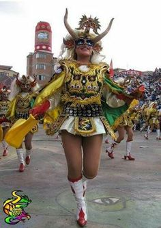 Tamaño del rostro - Diablada - Oruro Bolivia Bolivian Food, Carnival Festival, Something Special, People Of The World, Traditional Dresses, Music Is Life, Four Square, Wonder Woman, Culture