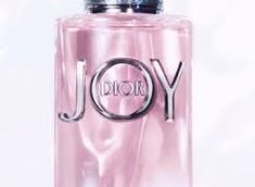 Shop JOY by Dior at Sephora. This new fragrance from Dior captures the feeling of Joy with notes of mandarin, sandalwood, and white musk. Alien Perfume, Perfume Display, Forever Red, Perfume Reviews, New Fragrances, Parfum Spray, Bath And Body Works, Sephora, Dior