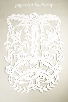 diy | papercut leaves backdrop tutorial | via: ruffled