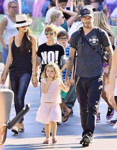 David and Victoria Beckham are outdone by their stylish children Vic Beckham, Harper Beckham, Victoria And David, David And Victoria Beckham, David Beckham Family, Burberry Models, Victoria Beckham Outfits, Celebrity Couples, Hollywood Couples