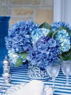 La vie en rose, pretty for the bedroom in blues and greys!