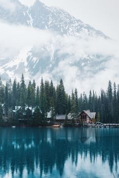 Emerald Lake Lodge II Kunstdruck von Tasha Marie X-Small Beautiful Landscape Photography, Beautiful Landscapes, Amazing Photography, Nature Photography, Travel Photography, Aerial Photography, Night Photography, Beautiful Gardens, Photography Ideas