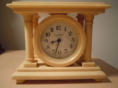 Vintage Ivaleur Bakelite Clock