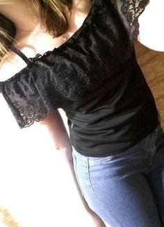 Kup mój przedmiot na #vintedpl http://www.vinted.pl/damska-odziez/koszulki-na-ramiaczkach-koszulki-bez-rekawow/16078536-czarna-bluzka-hiszpanka-hit