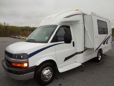 2003 R-Vision Trail Lite B-Plus  R-Vision Trail Lite B-Plus 22ft Motorhome Slide Out Chevrolet Express 3500 $18850