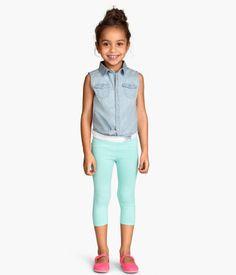 H&M 3/4-leggingsit 4,99. koko 104. Värit: roosa, turkoosi, kirsikka, liila. näitä saa tulla max 3 kpl