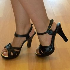 """SaleNWT Black Genuine Leather 4"""" Heels Brazil beauties! Very comfortable and classy. Genuine leather from Brazil. Brand new strappy sandals with 4"""" heel. Medium width. True to size. Passarela Shoes Heels"""