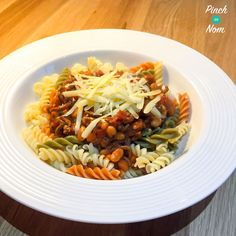 Syn free baked bean bolognese slimming world recipes to make. Slimming World Pasta, Slimming World Dinners, Slimming World Recipes, Slimming Eats, Skinny Recipes, Healthy Dinner Recipes, Healthy Dinners, Beef Recipes, Cooking Recipes