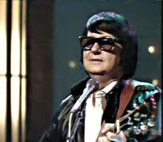 Birth name Roy Kelton Orbison Born April 1936 Vernon, Texas, USA Died December 1988 (aged Hendersonville, Tennessee, USA Mp3 Song, Music Songs, My Music, Music Stuff, Rock Music, Song Lyrics, Roy Orbison Songs, Hip Hop Music Videos, Travelling Wilburys
