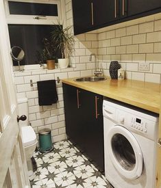 Nice utility room, probably too nice. Do we need tiles? Painted wall should be fine Nice utility room, probably too nice. Do we need tiles? Painted wall should be fine Boot Room Utility, Small Utility Room, Utility Room Storage, Utility Room Designs, Ikea Utility Room, Laundry Room Bathroom, Laundry Room Layouts, Laundry Room Design, Small Bathroom