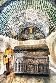 Stock image of 'RAVENNA, ITALY - SEPTEMBER 9, 2014: Ceiling Mosaic of the Galla Placidia mausoleum. Built between 425 and 433, this small mausoleum adopts a cruciform plan.'