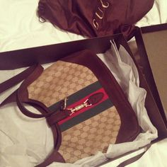 Look what I came home to today :)) A 1921 Vintage Collection Gucci Handbag. ♥