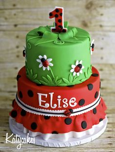 - Ladybug birthday cake for my little ladybug Birthday Cake Girls, First Birthday Cakes, Birthday Ideas, 13th Birthday, Ladybug 1st Birthdays, Ladybug Cakes, Ladybug Party, Gateaux Cake, Festa Party