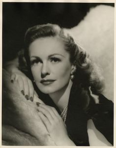 Geraldine FITZGERALD (1913-2005) * AFI Top Actress nominee > IRISH > Notable Films: Wuthering Heights (1939); Dark Victory (1939); The Pawnbroker (1964); Rachel, Rachel (1968); The Last American Hero (1973); Harry and Tonto (1974); Echoes of a Summer (1976); Arthur (1981); Arthur II: On the Rocks (1988); Easy Money (1983); Poltergeist II: The Other Side (1986)
