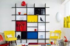 Piet Mondrian Inspired Interior Design To Give Your Home The De Stijl Flair Piet Mondrian, Bauhaus Interior, Design Bauhaus, Bauhaus Style, Geometric Designs, Geometric Shapes, Design Case, Design Design, Modern Design