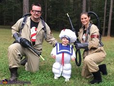 Hallowen Costume Couples Ghostbusters and the Stay Puft Marshmallow Man - 2015 Halloween Costume Contest via Halloween Costume Contest, Family Halloween Costumes, Couple Halloween Costumes, Halloween Outfits, Costume Ideas, Halloween Ideas, Halloween 2018, Homemade Halloween, Halloween Candy