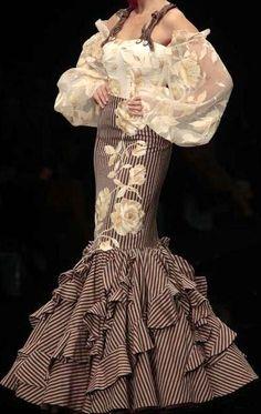 Flamenco Costume, Flamenco Dancers, Costume Dress, Dance Costumes, Flamenco Dresses, Spanish Dress, Spanish Wedding, Spanish Fashion, Frou Frou