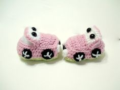 Are these adorable or what??? Baby booties - baby girl shoes - booties, baby booties, Pink baby booties. $18.00, via Etsy.