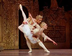 Sergei Polunin - The Prince and Sarah Lamb as The Sugar Plum Fairy. The Nutcracker. Ballet Poses, Ballet Dancers, Ballerinas, Sarah Lamb, Ballet Shows, Sergei Polunin, Ballet Performances, Sugar Plum Fairy, Grace Beauty