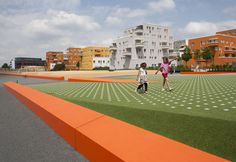 landscaped park with integrated play elements on top of a railroad tunnel Sport Park, Pop Up, Track, Sports, Play, Google, City, Hs Sports, Runway