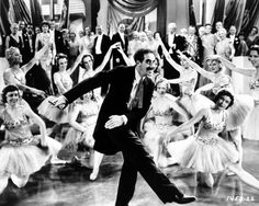 Groucho Marx dances with the Corps de Ballet in a scene from the film Duck Soup. Turner Classic Movies, Classic Films, Funny Movies, Old Movies, Iconic Movies, Margaret Dumont, Duck Soup, Groucho Marx, Harpo Marx