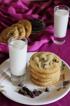 Eggless chocolate chip cookies (Best eggless cookies The BEST and eggless chocolate chip cookies for your holidays or Christmas. Eggless Chocolate Chip Cookie Recipe, Eggless Cookie Recipes, Eggless Desserts, Eggless Baking, Best Chocolate Chip Cookie, Best Cookie Recipes, Baking Recipes, Delicious Desserts, Chocolate Chocolate