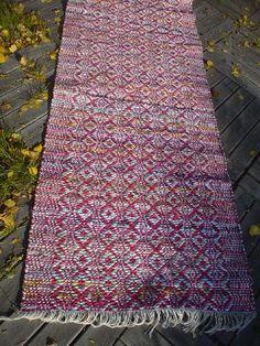 Weaving Art, Hand Weaving, Rag Rugs, Scandinavian Style, Carpets, Pattern Design, Bohemian Rug, Funny Quotes, Weaving