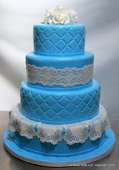 Eyelet lace cake - Amazing Wedding Cakes and Sculpted Purple Wedding Cakes, Amazing Wedding Cakes, Wedding Cakes With Flowers, Flower Cakes, Gold Wedding, Pretty Cakes, Beautiful Cakes, Bridal Shower Cakes, Wedding Cake Designs