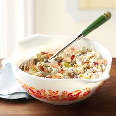 Blue Cheese & Grape Coleslaw Recipe -Dishes like coleslaw beg for a fresh approach. I update mine with almonds, grapes, blue cheese and bacon for a grand bowl of color and crunch. Best Coleslaw Recipe, Coleslaw Mix, Coleslaw Recipes, Vintage Pyrex Dishes, Vintage Kitchenware, Vintage Bowls, Vintage Tins, Vintage Glassware, Food Dishes