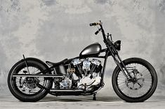 Old Classic Harley-Davidson Motorcycles Harley Davidson Knucklehead, Harley Davidson Motorcycles, Custom Motorcycles, Custom Bikes, Chopper Motorcycle, Bobber Chopper, Motorcycle Design, Classic Harley Davidson, Used Harley Davidson