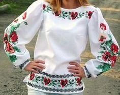 Moldeado hecho a mano ucraniano blusa / bordado por aCrossUkraine