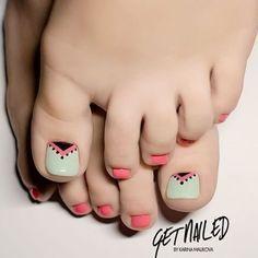 Toe Nail Art Collections To Make You Look Perfect - Nail Polish Addicted Pedicure Designs, Manicure E Pedicure, Toe Nail Designs, Acrylic Nail Designs, Cute Toe Nails, Toe Nail Art, Pretty Nails, Summer Toe Nails, Feet Nails