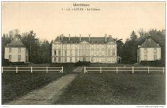 France - loyat - le Chateau du Village - animation