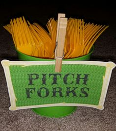 "Forks as "" Pitch Forks"" for your Tractor / Barn Birthday Party Horse Birthday Parties, Farm Animal Birthday, Cowboy Birthday Party, Tractor Birthday, Farm Birthday, Birthday Ideas, Country Birthday, Cowgirl Party, Barnyard Party"