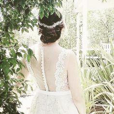 My beautiful bride wearing a custom wreath I designed for her Napa Valley wedding.  I love what I do @kleinfeldbridal #napavalley #carnerosinn #bridesofinstagram #bridalheadpiece