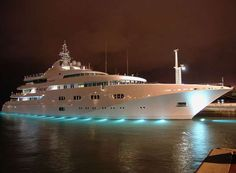Well in comparison with yachts like Alysia and Dubai, Princess Mariana is just like a sailing boat, but in fact this beautiful yacht is one of the most Yacht Boat, Sailboat Yacht, Luxe Life, Sail Away, Summer Bucket Lists, Water Crafts, Catamaran, Sailing, World