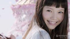 """(画像1/4) 宮崎あおいの""""血色感メイク""""にうっとり キュートな笑顔で魅了"""
