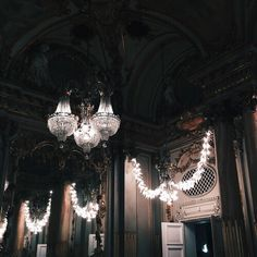 Image discovered by littlefridd. Find images and videos about black, aesthetic and luxury on We Heart It - the app to get lost in what you love. Red Hood, Lizzie Hearts, Modern Mansion, Dorian Gray, Victorian Gothic, Looks Cool, Beast, Lights, Mansions