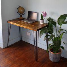 Wood And Metal Desk, Metal Desk Legs, Metal Desks, Wood Desk, Bureau Simple, Simple Desk, Rustic Desk, Rustic Wood, Oak Wood Stain