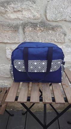 Sac à langer Boogie bleu et jacquard géométrique cousu par Audrey - Patron Sacôtin