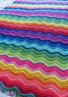 Beautiful crochet ripple blanket.  I have ideas to make one of these for myself this year.  Ocean colors?