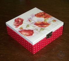 CAJA Decoupage Glass, Decoupage Box, Decoupage Vintage, Painted Boxes, Wooden Boxes, Altered Cigar Boxes, November Crafts, Tea Box, Craft Items