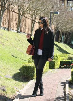 Blog Caca Dorceles. 2014. Meu look: Malha de Bouclê.  Mixed coat + Bouclê + Zara shirt + Fabulous Agilitá leather pants + Luiza Barcelos boot + Giorgio Armani glasses + Schutz handbag.