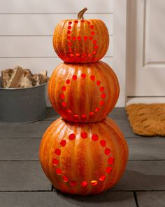 Carve out a hearty Halloween greeting for trick-or-treaters and guests of all ages. Halloween Pumpkins, Halloween Decorations, Realistic Christmas Trees, Slim Tree, Pumpkin Decorating, Decorating Ideas, Balsam Hill, Halloween Greetings, Wreaths And Garlands