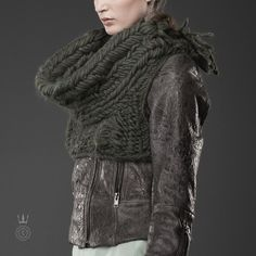 knitwear designed by Maria Dora (who designed the cowl worn by Katniss Everdeen in Catching Fire). Marvelous construction and design.