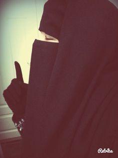 the Beauty of Hijab (+Niqab) Hijab Niqab, Muslim Hijab, Hijabi Girl, Girl Hijab, Beautiful Muslim Women, Beautiful Hijab, Niqab Fashion, Muslim Fashion, Hijab Dpz
