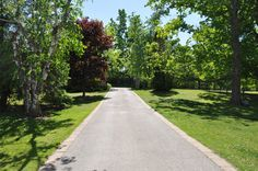 Front Drive Luxury Real Estate, Sidewalk, Home, Side Walkway, Ad Home, Walkway, Homes, Haus, Walkways